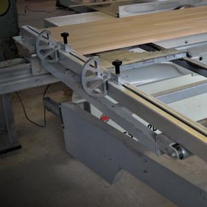 Изготовление и продажа п-образных лестниц из дерева и